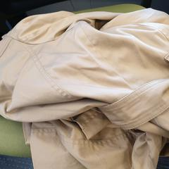 Beige jas, as reported by Cursus en vergadercentrum Domstad using iLost