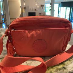 Roze tasje, gemeldet von Van der Valk Hotel Heerlen über iLost