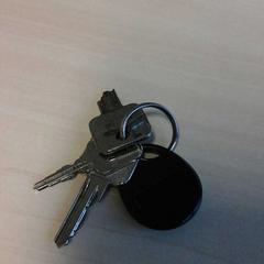 Sleutels met tag sleutels, 1 gebroken, tag van, zoals gemeld door Connexxion Zeeland met iLost