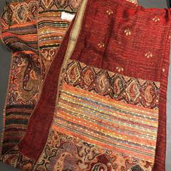 Dames sjaal rood, gisa salatu by Van der Valk Hotel Breukelen iLost erabiliz