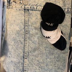 kleding, zoals gemeld door The Tire Station Hotel met iLost