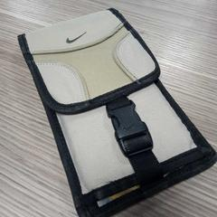 Nike Wallet with cards inside, zoals gemeld door RAI Amsterdam met iLost