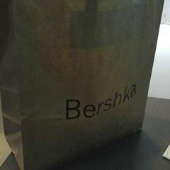 Bershka tas, zoals gemeld door Connexxion Gooi en Vechtstreek met iLost