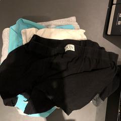 stapel kleding, zoals gemeld door Van der Valk Hotel Breukelen met iLost