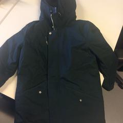 Black Winter Jacket, zoals gemeld door DGTL ADE 2019 met iLost